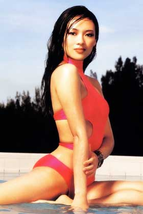 Zhang Ziyi was born on