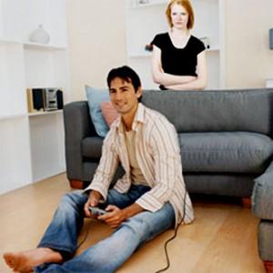 Bizarro: Mulher agride namorado fã de videogames