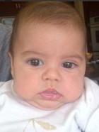 Shakira posta nova foto do filho