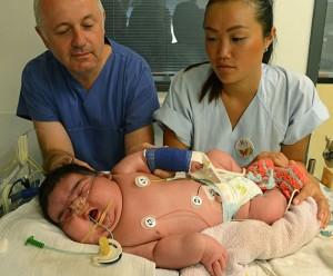 Mulher dá à luz bebê de 6,1 kg - Fotos