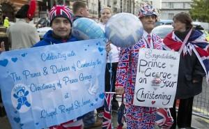 Príncipe William e Kate batizam novo príncipe George-10