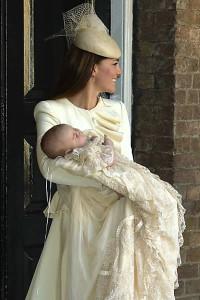 Príncipe William e Kate batizam novo príncipe George-2