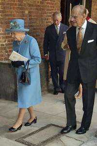 Príncipe William e Kate batizam novo príncipe George-3