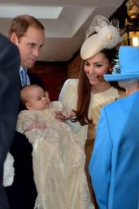 Príncipe William e Kate batizam novo príncipe George-4