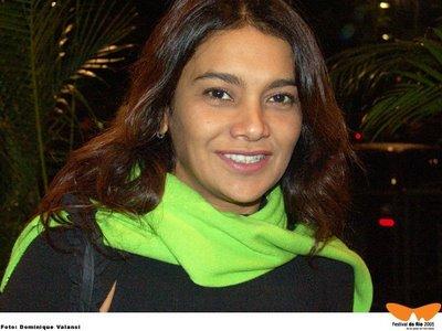 http://www.sitesnobrasil.com/fotos/images/fotos/mulheres/d/dira-paes3.jpg